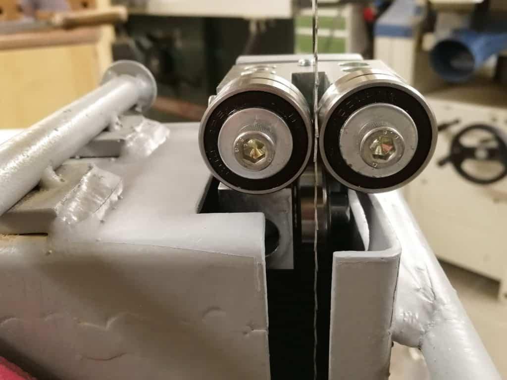 Bauer HBS 450-1 szalagfűrész alsó vezető