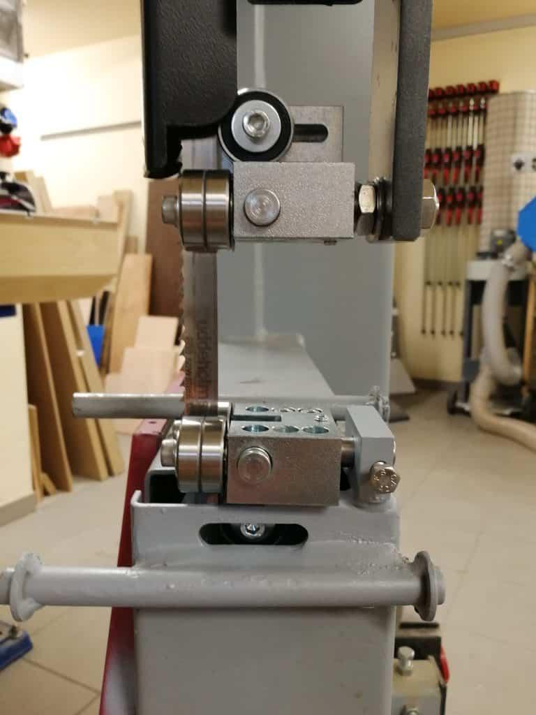 Bauer HBS 450-1 szalagfűrész felső lapvezető
